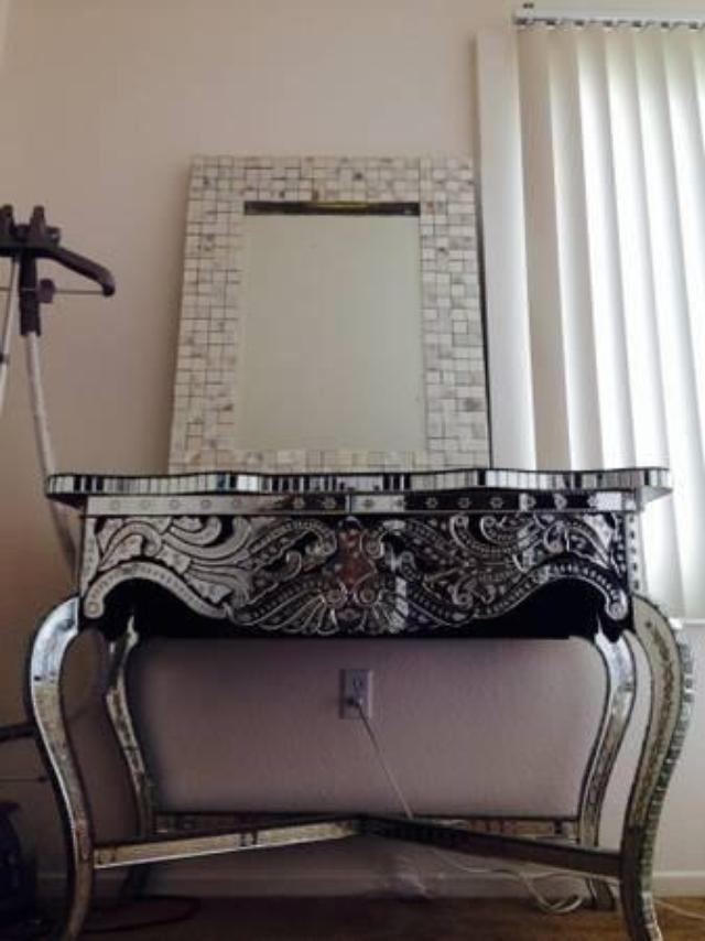 Beautiful Mirror side table and mirror