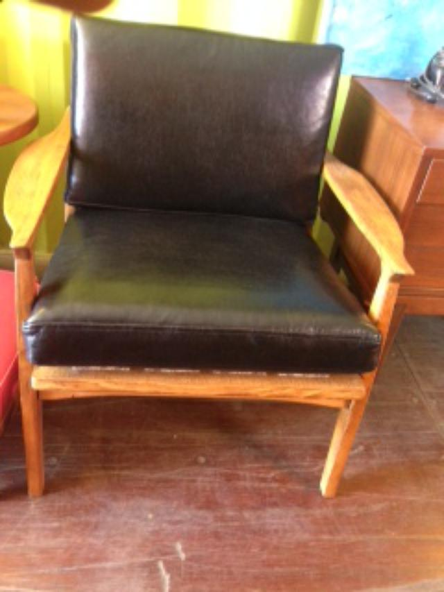 Black faux leather armchair loveseat vintage furniture for Faux leather what does it mean