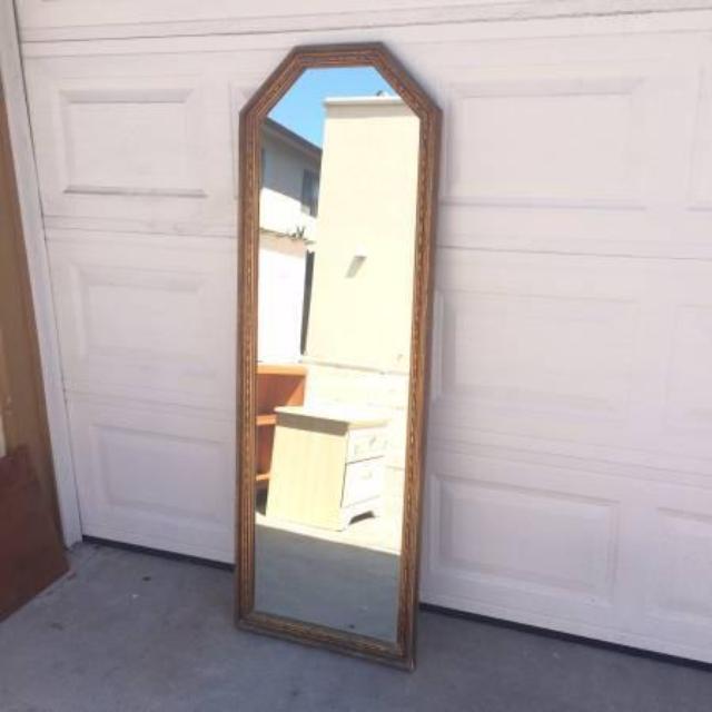Vintage gold framed full length floor mirror loveseat for Vintage floor length mirror