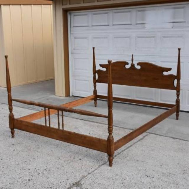 Vintage Solid Wood Queen Bedframe Loveseat Vintage