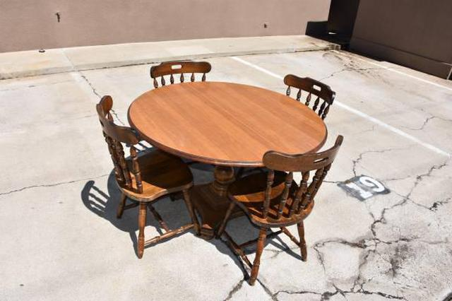 Quot Cal Shops Quot Round Dining Table W 2 Leaves Loveseat