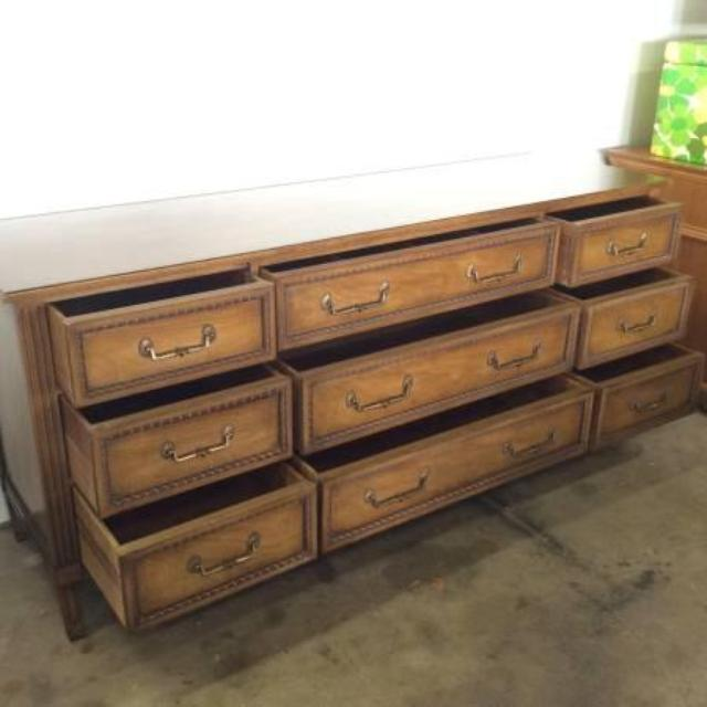 Henredon 9 Drawer Long Dresser with Mirror | Loveseat ...