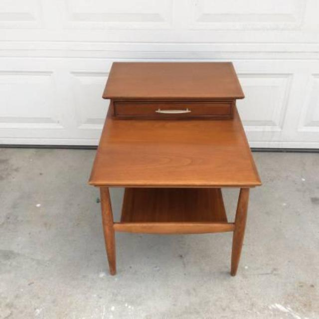 Hekman Midcentury Modern End Table W 1 Drawer Loveseat