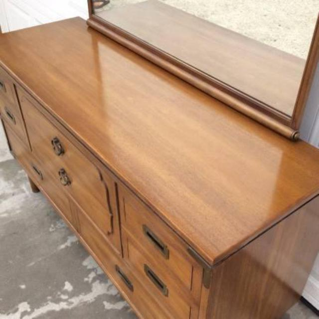 Mahogany Drexel 8-Drawer Long Dresser w/ Mirror | Loveseat ...