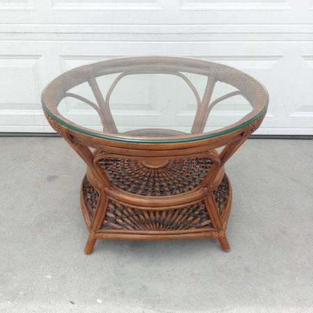 Tropical Round Pier 1 Coffee Table W Glass Top Loveseat