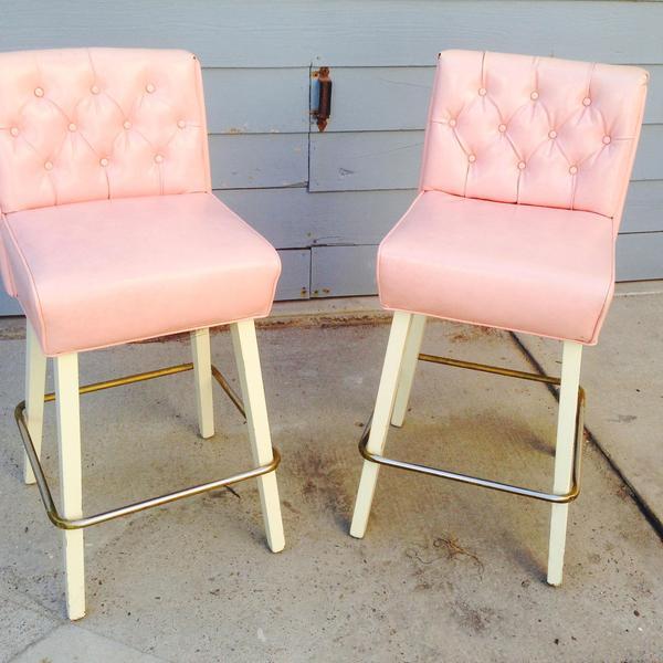 Retro Pink Leather Barstools Loveseat Vintage Furniture  : img37560thumb from www.loveseatapp.com size 600 x 600 jpeg 46kB