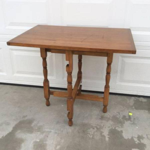 Beautiful Vintage Folding Gateleg Solid Wood Table
