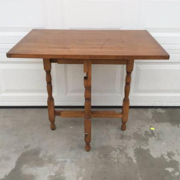Beautiful vintage folding gateleg solid wood table loveseat vintage furniture san diego los - Folding gateleg table ...