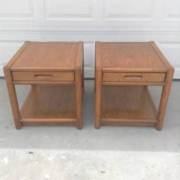Thomasville Pair of Midcentury Modern End Tables