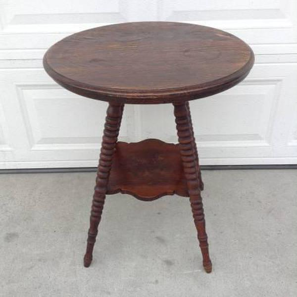 Vintage Dark Wood End Table W Spindle Legs Loveseat