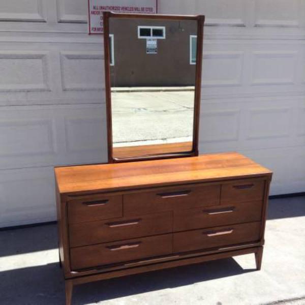 """Bassett Furniture Online: """"Bassett"""" Midcentury Modern 7-Drawer Dresser"""