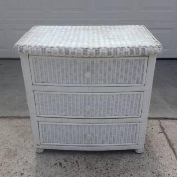 Pier 1 white wicker 3 drawer dresser loveseat vintage - Pier one white wicker bedroom furniture ...